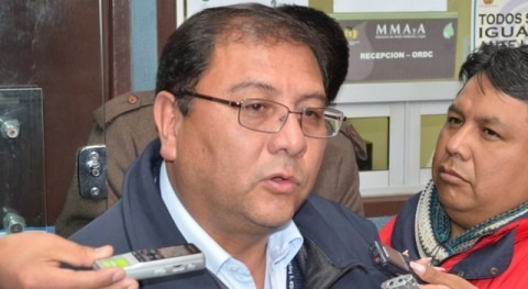 Ministro Zamora da inicio construcción sistema riego Villa Abecia