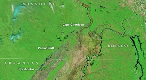 ¿Cómo fueron inundaciones afluentes río Mississippi vista satélite?