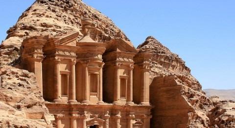 Petra, ingeniería hidráulica esculpida roca
