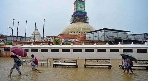 Ascienden más cien fallecidos causa inundaciones monzón Bangladés
