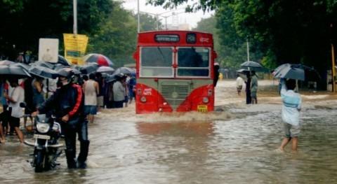 Al menos 27 muertos derrumbes causados lluvias monzón India