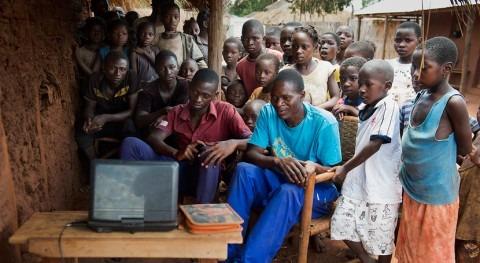 Galicia colabora prevenir pandemia COVID-19 escuelas Mozambique