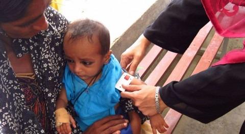 Mueren 139 niños distrito Pakistán insalubridad agua y malnutrición