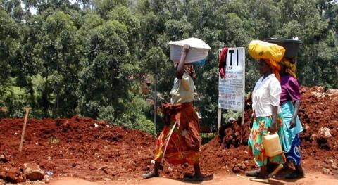 agua da poder y voz mujeres Kenia