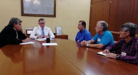 Mario Urrea mantiene encuentro trabajo regantes Heredamiento Molina Segura