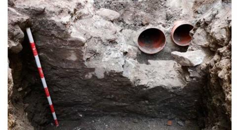 obras redes agua y saneamiento Almuñécar desvelan restos muros romanos