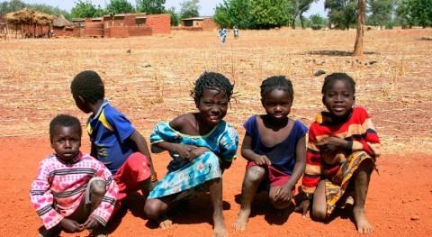 falta saneamiento y agua potable, causas mortalidad infantil África