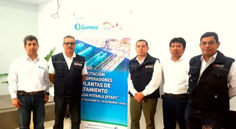 Perú capacita operadores plantas tratamiento Piura