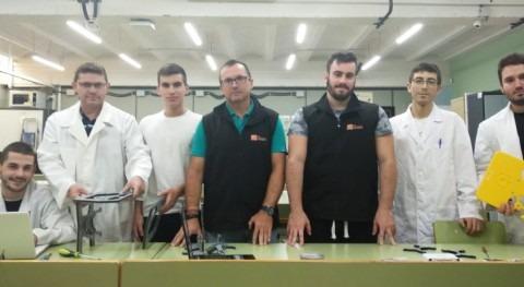 Nido Robotics y alumnos Cartagena impulsan robot submarino retirar plásticos mar
