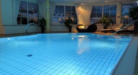 Prepara tu piscina verano. Vigila bombas agua y filtros