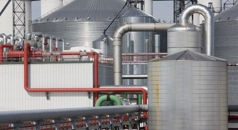 En la imagen, planta industrial de generación de biocombustible.