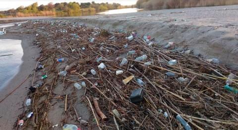 estudio analiza impacto plásticos vertidos ríos océanos
