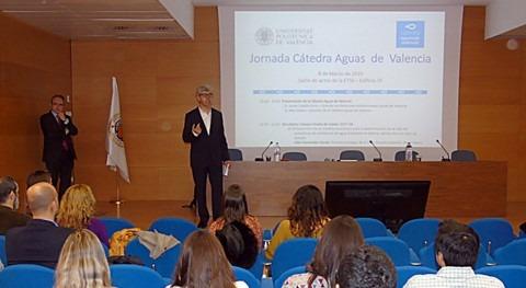 Cátedra Aguas Valencia acerca estudiantes realidad empresa