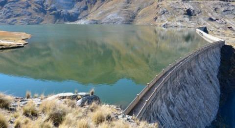 8 proyectos garantizan abastecimiento agua Paz, Bolivia