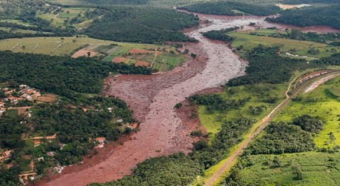 colapso presa Brasil deja 65 fallecidos y cientos desaparecidos