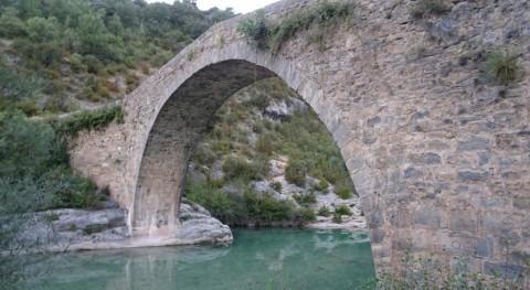 Conoce puente románico Pedruel río Alcanadre, Huesca