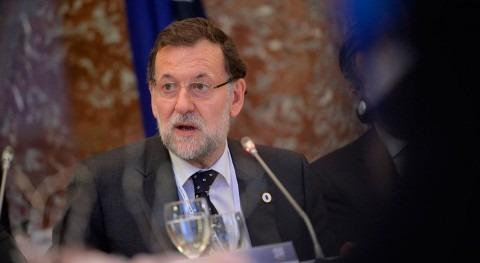 """Rajoy descarta bajar precio luz porque """"va llover"""""""
