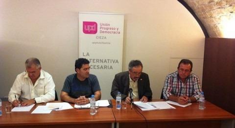 UPyD muestra mesa-debate Murcia apoyo agricultura y rechazo al Memorándum Tajo