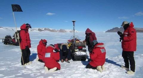 condritas carbonáceas facilitaron llegada agua Tierra
