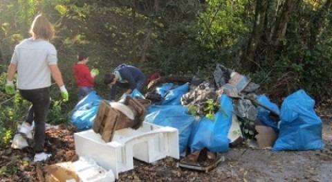 """limpieza riberas y cauces Nerbioi-Ibaizabal"""" quita 20 toneladas residuos"""