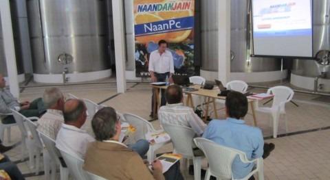 Agricultores y profesionales sector reciben Úbeda información tendencias futuro riego olivar