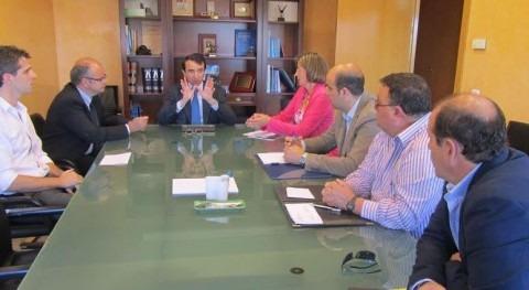 Miguel Antolín recibe representantes Comunidad Regantes Estremera