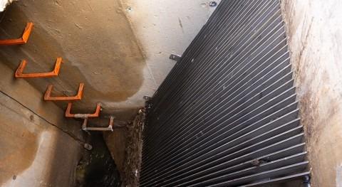 Promedio instala rejas colectores evitar vertido plásticos y otros desechos