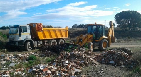Retirados escombros acumulados cauce riera Alforja paso Baix Camp