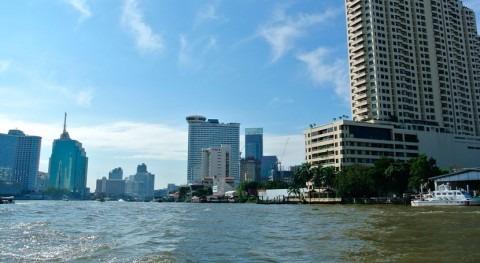 Bangkok lanza cañones agua al aire combatir contaminación