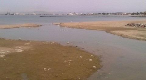 aguas barranco Nano río Oro, llenas vegetación arrancada y basura