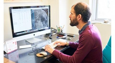 Universidad Salamanca estudia rocas Luna investigar comportamiento agua