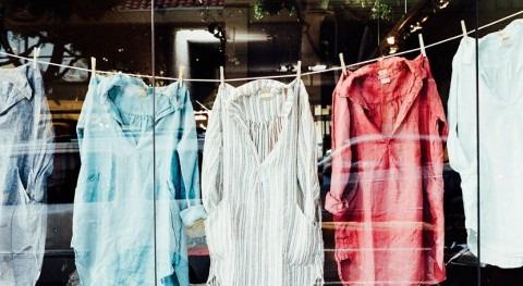 ¿Cómo contribuye industria moda contaminación agua?