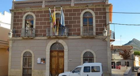 Ayuntamiento de Sagra (Wikipedia/CC).