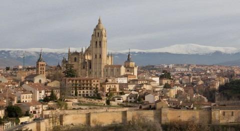Segovia cierra fuentes y corta riego jardines públicos sequía
