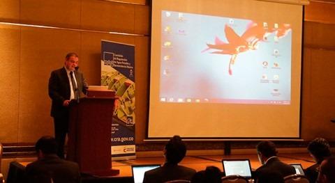 servicios públicos agua ciudades inteligentes, debate Colombia