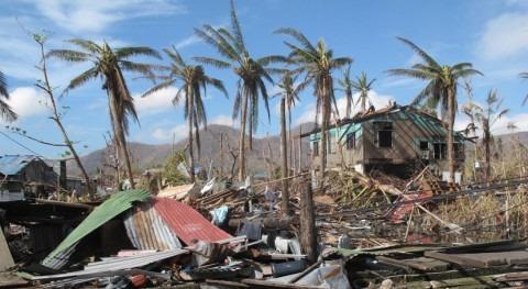 """tifón """"Nakri"""" Filipinas deja al menos cuatro muertos y 21.000 desplazados"""