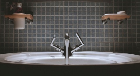 Diferencias 349% tarifas agua 28 ciudades 2015, FACUA