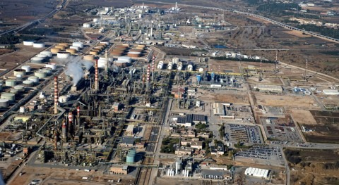 ¿Cómo regenerar y reutilizar agua industria petroquímica?
