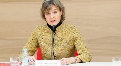 La ministra García Tejerina durante su intervención en la Fundación Botín