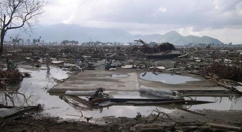 Aumenta 26 cifra fallecidos inundaciones Indonesia