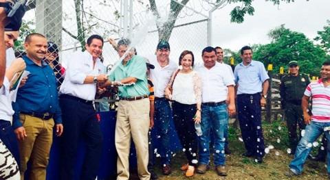 población rural Palmitos, Sucre, estrena acueducto