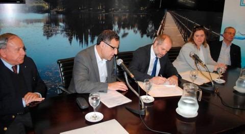 Uruguay y Brasil firman contrato ejecutar obras saneamiento Aceguá