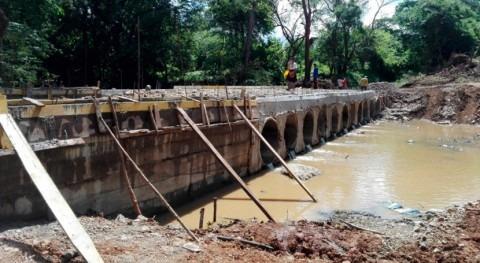 Gobierno Panamá construye nuevo vado río Potrero Pintada