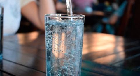 españoles no alcanzan recomendaciones europeas ingesta diaria agua