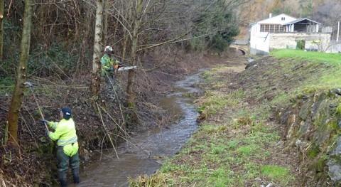 Comienzan trabajos limpieza y mantenimiento cauce ríos Montouto y Suarón