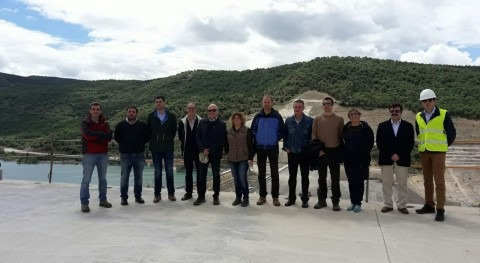 Diputados Parlamento Navarra visitan obras recrecimiento embalse Yesa