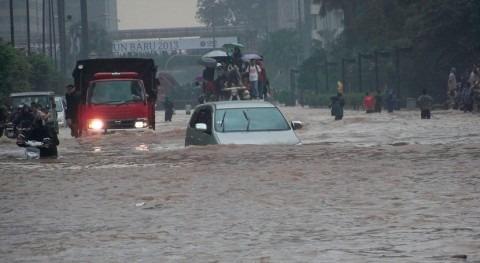 Aumentan 66 fallecidos lluvias torrenciales Indonesia