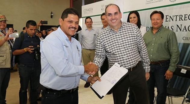 Entrega Conagua títulos concesión agua Valles Yaqui y Mayo