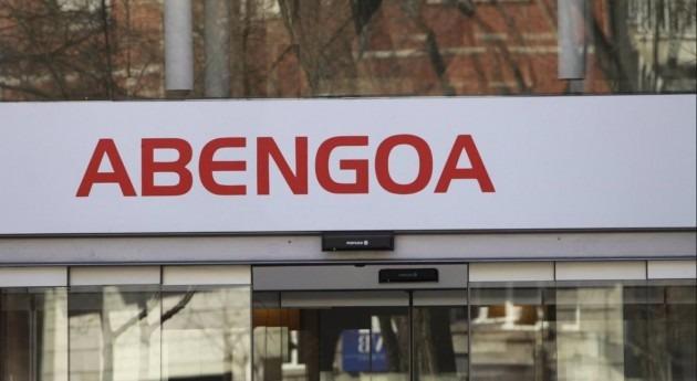 Accionistas denuncian que Abengoa dedica más recursos gastos financieros que nóminas