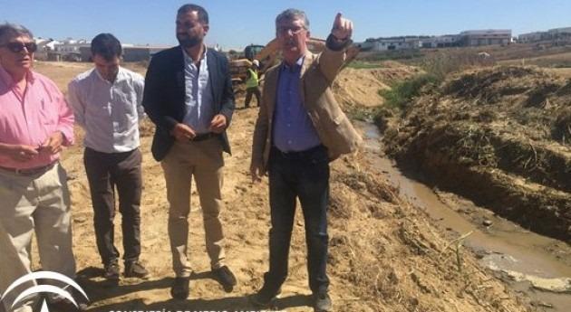 Gobierno andaluz actúa cauces deteriorados prevenir inundaciones época lluvias